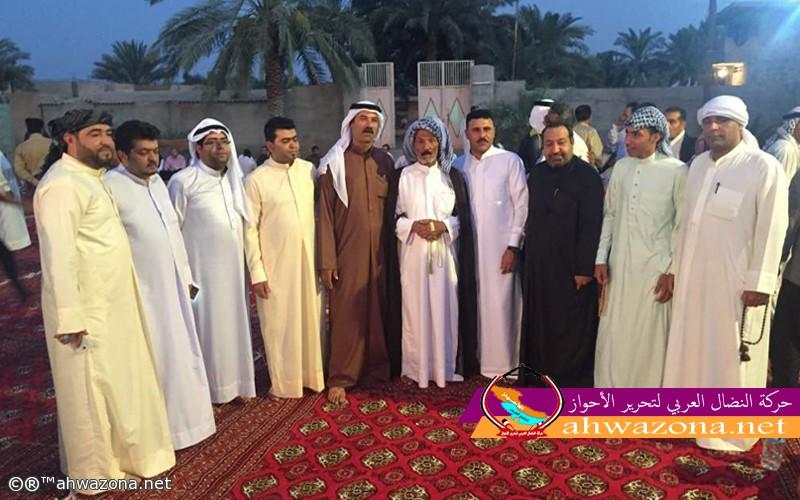 صورة جماعية للشيخ مولى شميل المذحجي مع بعض الشخصيات الأحوازية المشاركة في الحفل