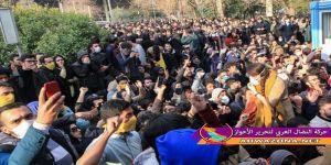 شخصيات ثقافية وسياسية تطالب بإستفتاء عام في ايران